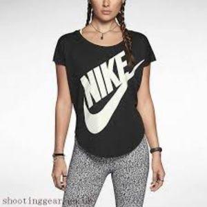 NWT Nike Signal T Shirt